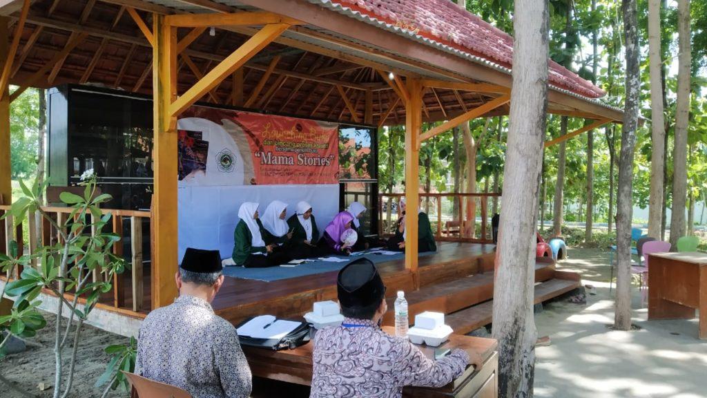 "Mahasiswi Madin IDIA Prenduan Launching Buku ""Mama Stories"""