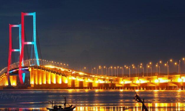 Resesi Dilihat dari Sisi Jembatan Suramadu